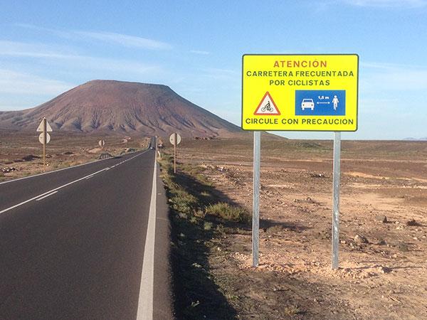 cartel_carretera_campana_bicis