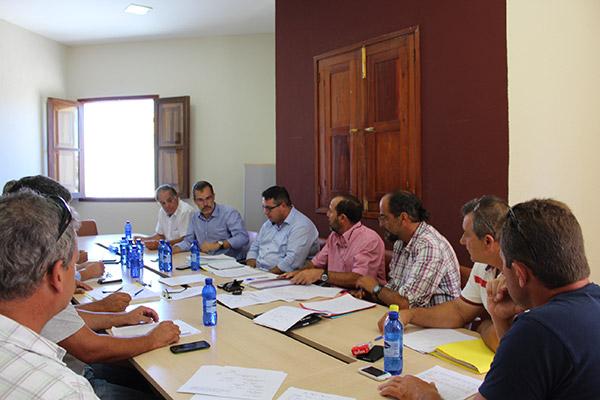 Reunion-con-ganaderos-de-Fuerteventura-y-Lanzarote