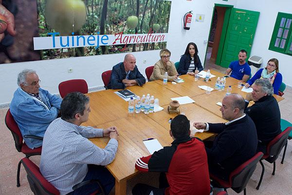 reunion_fiestas_juradas_interes_nacional