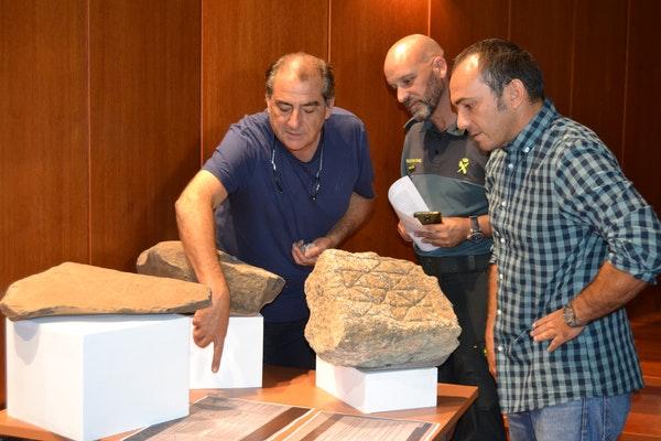 Donan al Cabildo de Fuerteventura restos de hallazgos arqueológicos