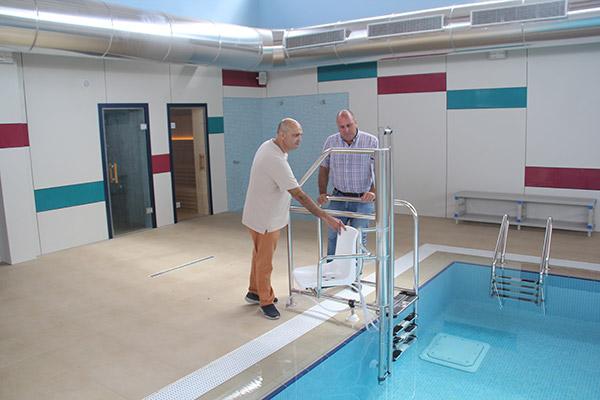 Fuerteventura recepciona la piscina terapéutica para personas con discapacidad