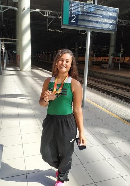 El Cabildo felicita a la atleta del Maxoathlón Corralejo, Naycaren Barrera, que consiguió alzarse con el bronce en el Nacional sub 16