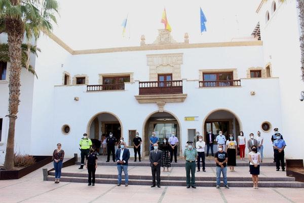 El Cabildo de Fuerteventura se suma al minuto de silencio por las víctimas del coronavirus